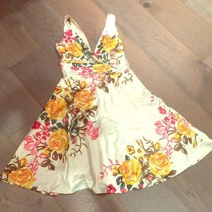 Forever 21 floral print silky dress white small